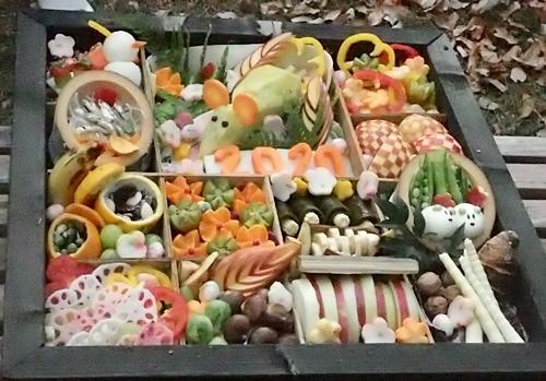 202001 犬山モンキーセンター_33_0103o (92)サルおせち_チベットモンキー.JPG