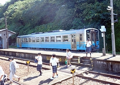 150919 01伊予長浜駅.JPG