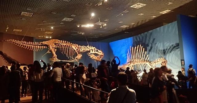 160404 科博_恐竜博 ティラノ&スピノ.JPG